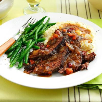boeuf cuit lentement avec sauce aux canneberges