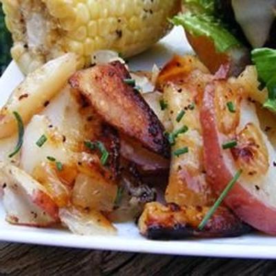 pommes de terre grillées et oignons