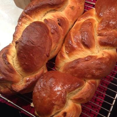 pain au safran anglais