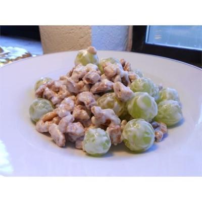 salade aux raisins et aux noix