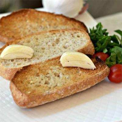 seulement du pain grillé à l'ail