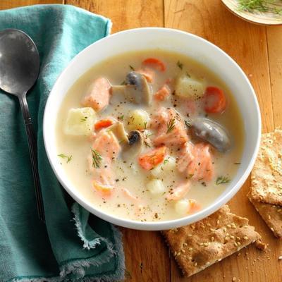 soupe au saumon et à l'aneth