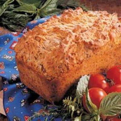 pain aux tomates et aux herbes