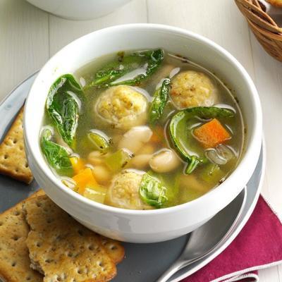 Soupe aux boulettes de viande et haricots italiens