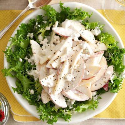 à base de: salade de pommes et de gorgonzola