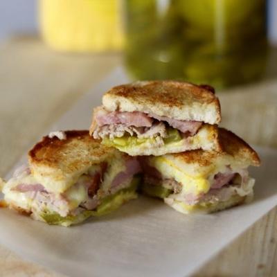 morsures de sandwichs cubains
