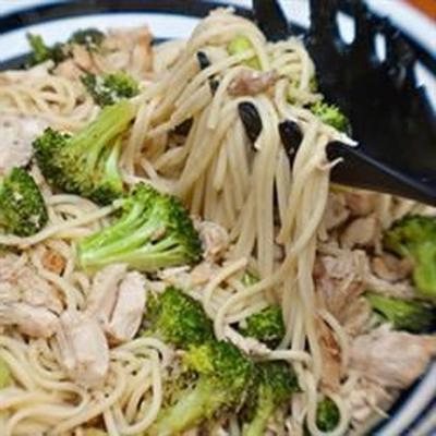 spaghetti au brocoli et au poulet