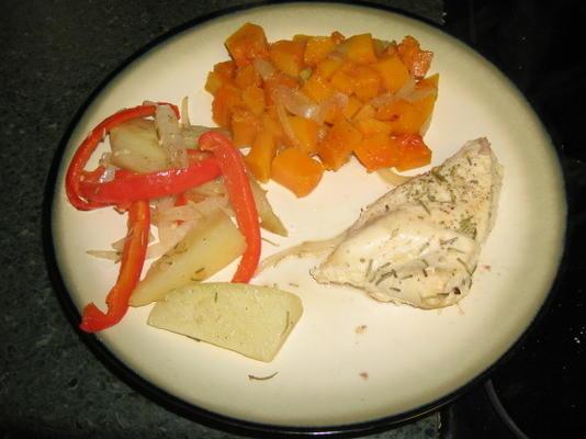 pommes de terre rôties, poivrons et oignons au romarin