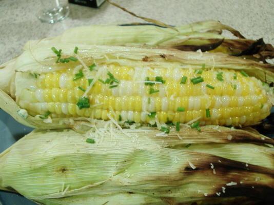 maïs en épis grillé avec une touche cubaine