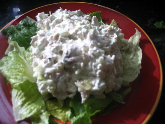 salade de poulet à la crème et à l'estragon