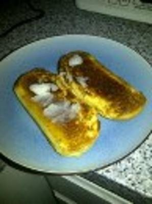 huile de noix de coco sur du pain grillé