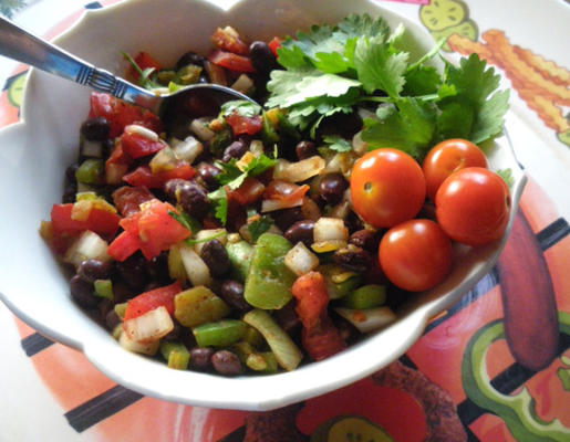 salsa aux haricots noirs et aux tomates