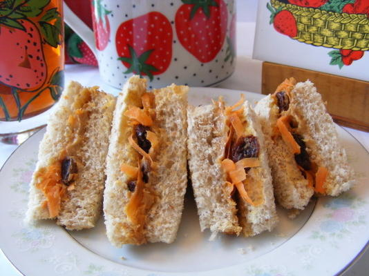 sandwichs pb aux carottes et aux raisins