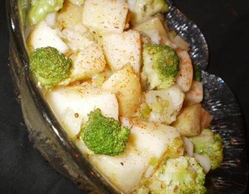 salade de brocoli et de pommes de terre
