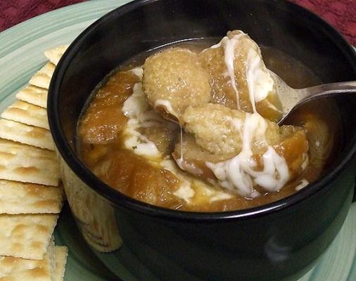 soupe à l'oignon français de maura