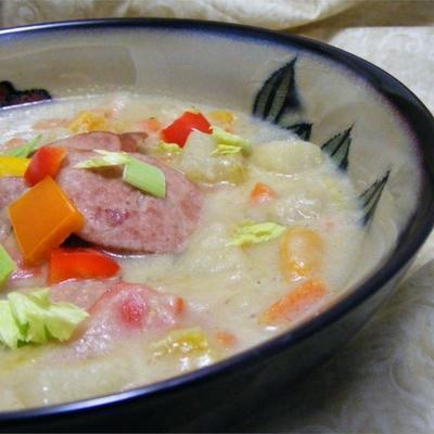 soupe de saucisses de pommes de terre