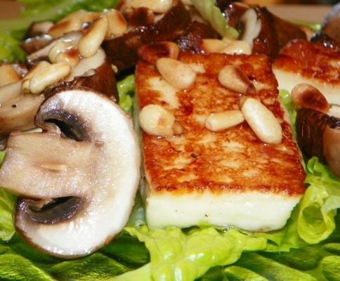 salade de haloumi et champignons