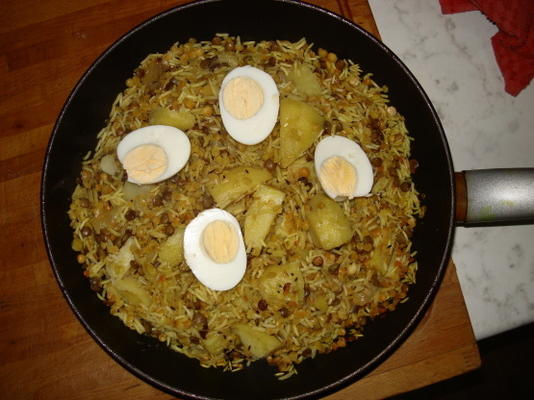 lentilles avec riz et pomme de terre