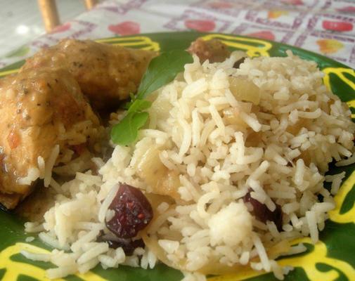riz aux oignons caramélisés et aux canneberges