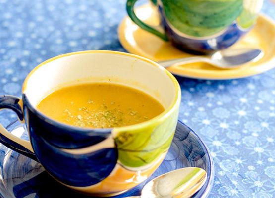 soupe de brocoli, de pois chiche et de légumes-racines