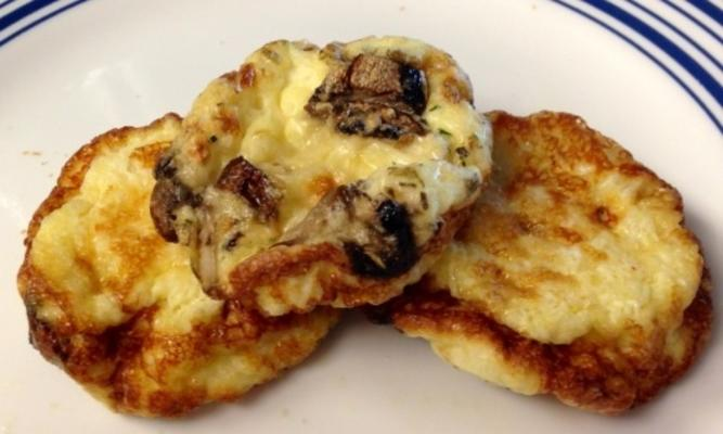 Frittata blanche aux œufs et aux champignons avec féta sans gras