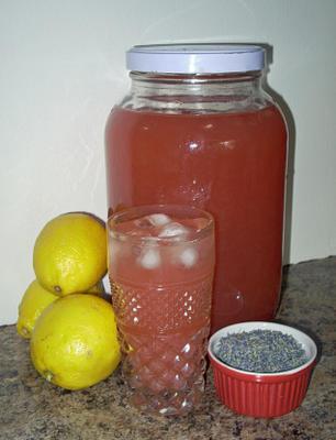 limonade à la fraise et à la lavande