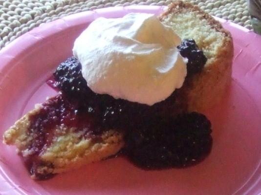 le célèbre gâteau au pudding à la polenta de brooke