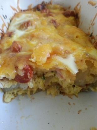 Saucisse, pommes de terre et fromage